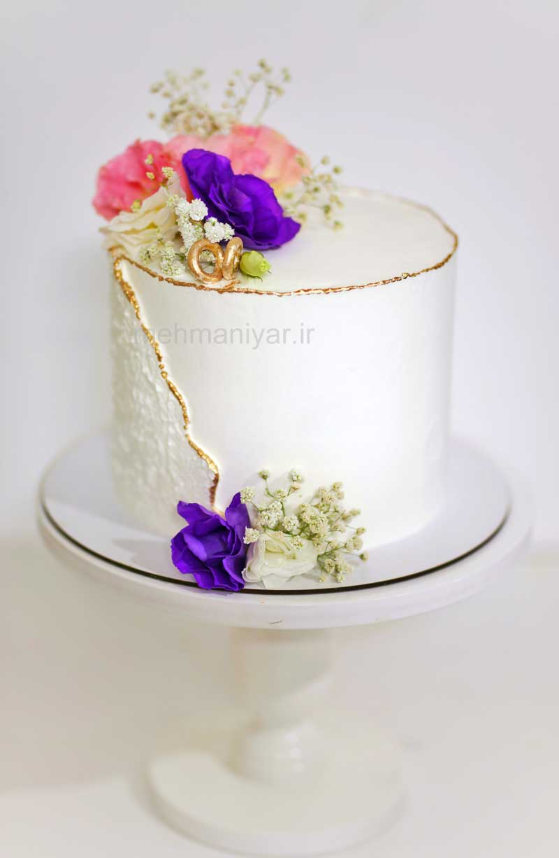 کیک حلقه طلا و گل