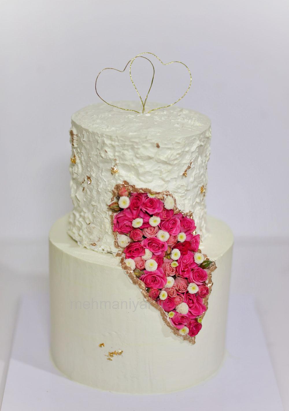 کیک با گل مینیاتوری