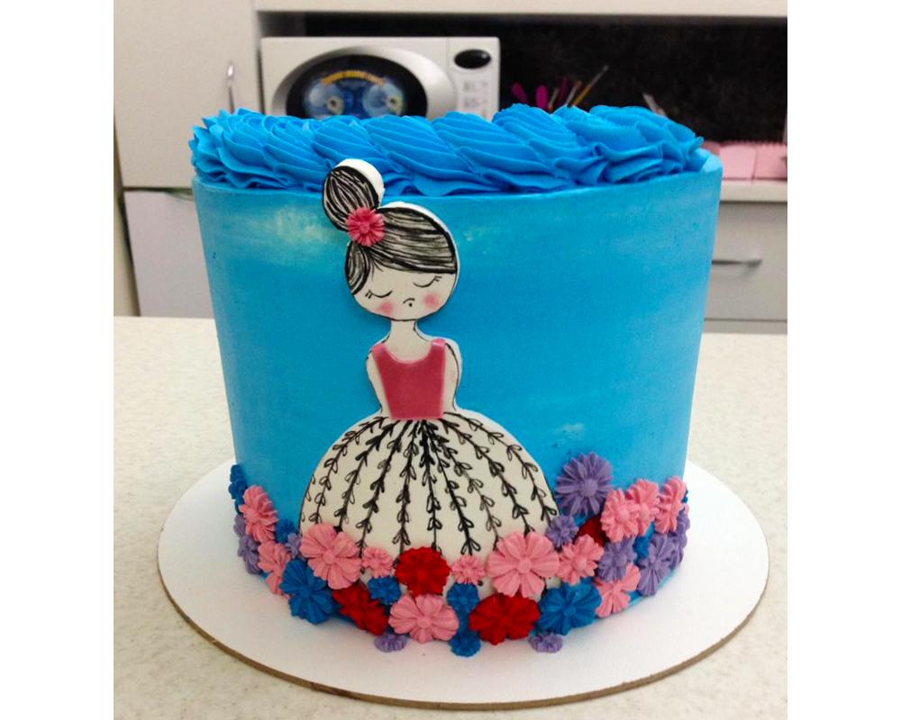 کیک دخترونه دامن گل گلی