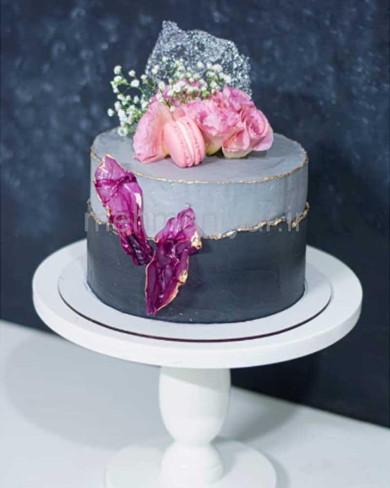 کیک مدل پر و ماکارون