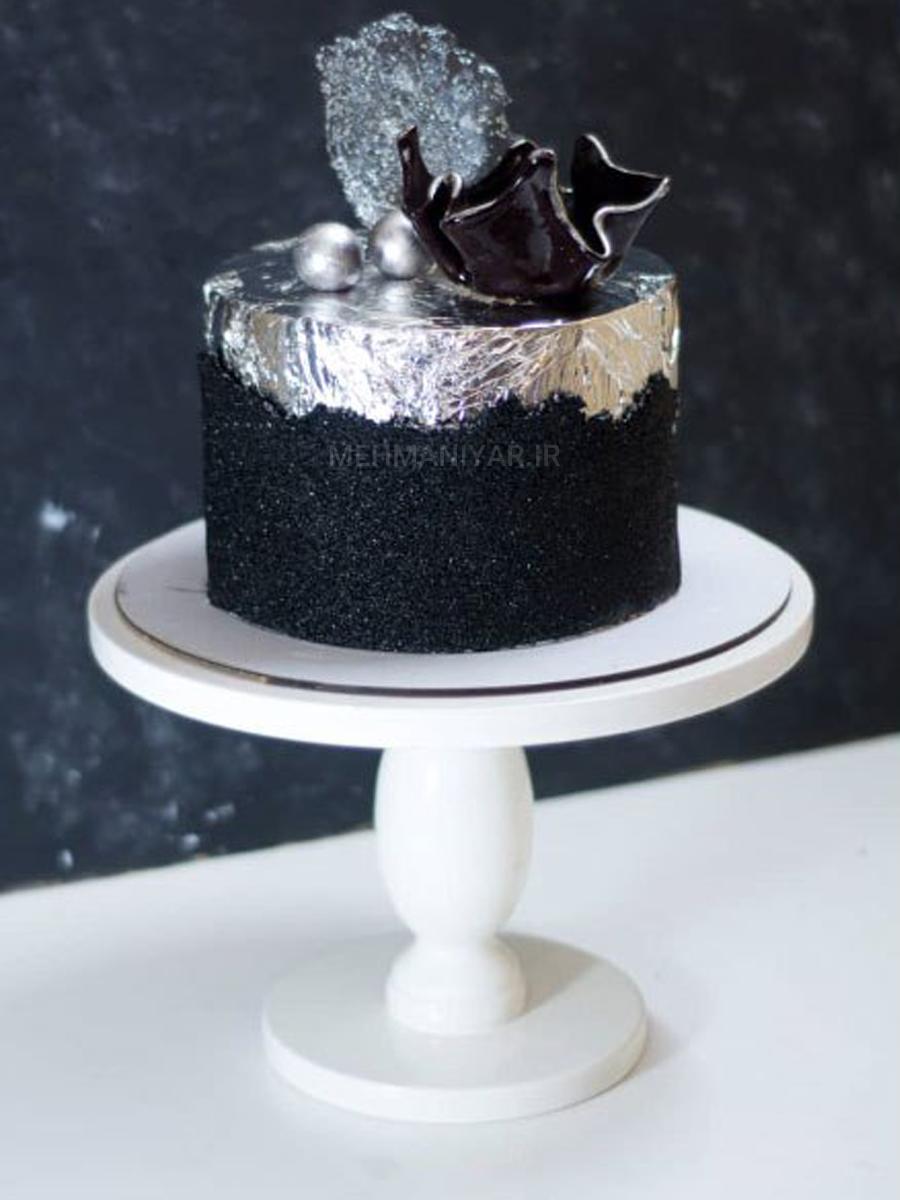 کیک با دکور مشکی